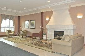 2565 Erin Centre Blvd - Condo in Canada